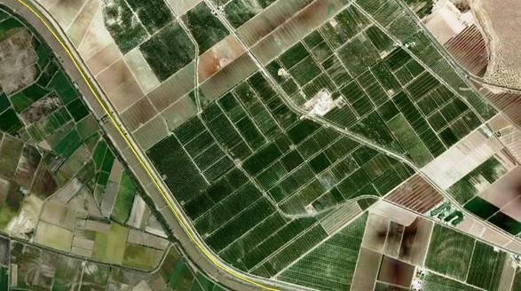 Satelitní fotografie jablečných sadů
