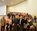 Na obrázku lonští absolventi homeopatické akademie spolu s děkanem Londýnké Faculty of Homeopathy Russellem Malcolmem
